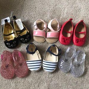 Baby girls 6-12 month Old Navy\Gap Shoe Bundle